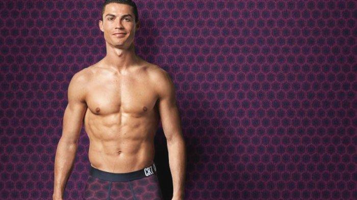 Cara Tak Lazim Cristiano Ronaldo untuk Hindari Jepretan Kamera Wartawan, Ia Lakukan. . .