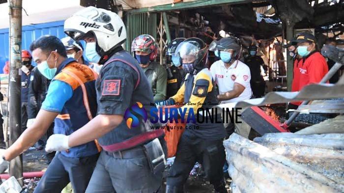 Galeri Foto Ruko Jalan Kranggan Surabaya Terbakar yang Memakan 5 Korban Tewas