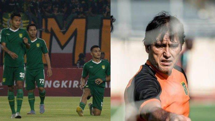 Pelatih Kiper Benny van Breukelen (kanan) memberi kabar kondisi pemain Persebaya Surabaya di tengah kompetisi Liga 1 2021 belum jelas
