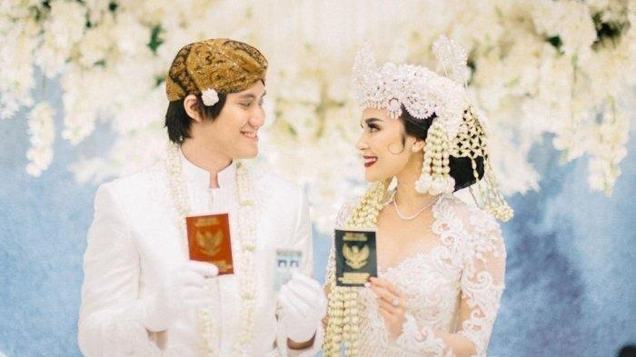 Foto pernikahan Kevin Aprilio dan Vicy Melanie