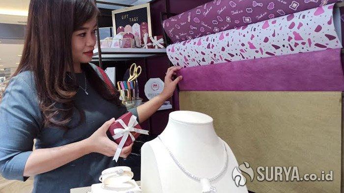 Frank & co Wrapping Corner Lengkapi Kecantikan Bingkisan Perhiasan