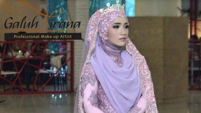 Make Up Sesuai Syariat Islam ala Nurhayati Dwi Kirana