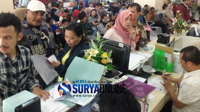 Antre Berjam - Jam Urus KTP di Siola,Fajar Mengaku Ditolak Urus di Kecamatan