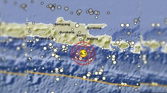 Gempa berkekuatan 6,7 SR yang terjadi di selatan pulau Jawa dekat dengan kabupaten Malang, Sabtu (10/4/2021).