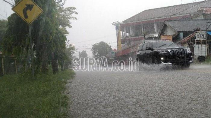 Sebagian Wilayah Jatim Diguyur Hujan saat Musim Kemarau, Ini Penjelasan BMKG