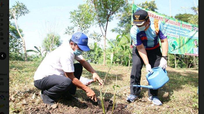 Lanjutkan Gerakan Merestorasi Lingkungan, Bupati Lamongan Pimpin Penanaman 1.400 Pohon Bambu