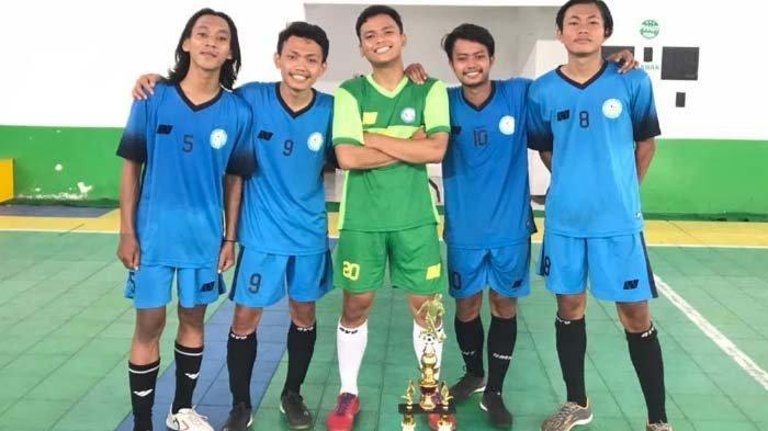 Mahasiswa Penerima Program Bantuan KIP di Surabaya Juarai Turnamen Futsal Jatim