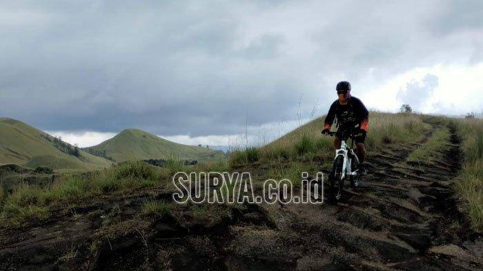 Menikmati Keindahan Kawah Wurung Kabupaten Bondowoso Sambil Bersepeda