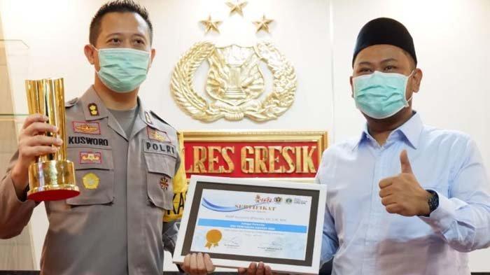 PWI dan DPRD Gresik Beri Penghargaan Giri Pancasuar Awards 2020 untuk 5 Tokoh Berdedikasi