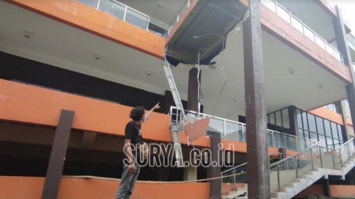 Lagi, Atap Plafon di Mall Pelayanan Publik GMSC Kota Mojokerto Ambrol