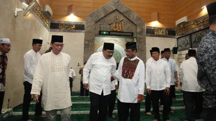 Gubernur Buka Puasa Bersama Keluarga Besar Pengadilan Tinggi Jatim