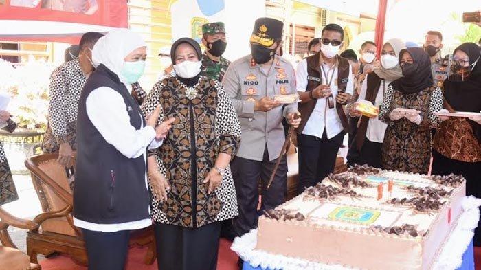 Kapolda Jatim Beri Kado Serbuan Vaksinasi untuk Almamater SMAN 2 Surabaya