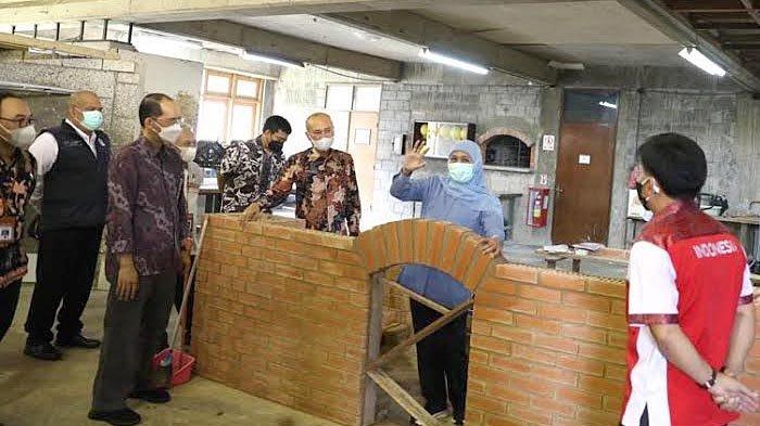 Lulusan SMK Jatim Akan Ditatar untuk Mampu Bangun Rumah Tahan Gempa