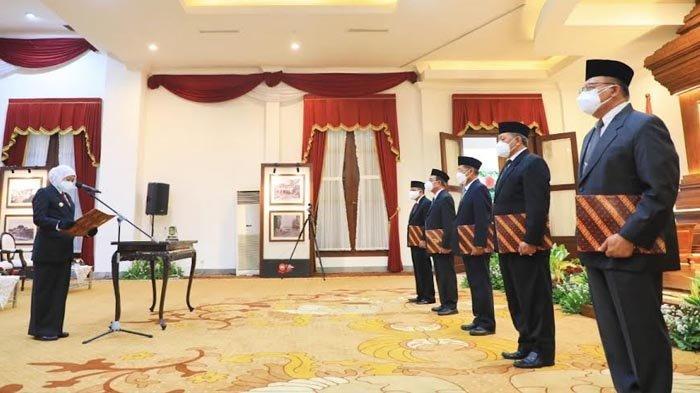 Lantik Pimpinan Baznas Jatim, Gubernur Khofifah Minta Perhatikan Anak Yatim Piatu Akibat Covid-19