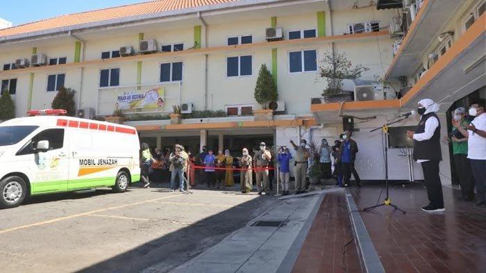 Gubernur Khofifah Melepas Kepergian Jenazah Wadir RSUD Dr Soetomo Prof Hendrian Dwikoloso Soebagjo