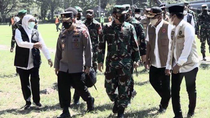 Panglima TNI dan Kapolri Perintahkan Anggota TNI-Polri Bantu Bupati Bangkalan Optimalkan PPKM Mikro