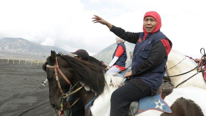 Hari Ini Wisata Gunung Bromo Mulai Dibuka, Gubernur Khofifah: Diterapkan Sistem Kuota