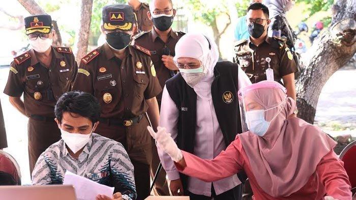 Gubernur Khofifah Targetkan, Agustus 2021 Sudah 70 Persen Warga Jatim Tervaksinasi