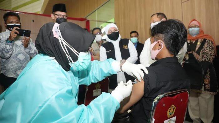 Gubernur Khofifah Memastikan, Pekan Depan Dimulai Vaksinasi untuk Disabilitas dan SDM Kesehatan