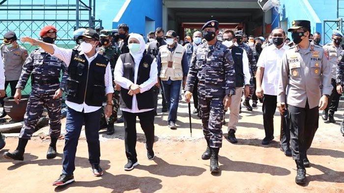 Gubernur Khofifah Tinjau Vaksinasi di Stadion Gajayana, Percepat Vaksinasi Aglomerasi Malang Raya