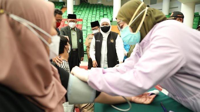 Gubernur Khofifah Siapkan Vaksin Moderna untuk Dosis Ketiga Bagi Nakes di Jatim, Dimulai Hari Ini