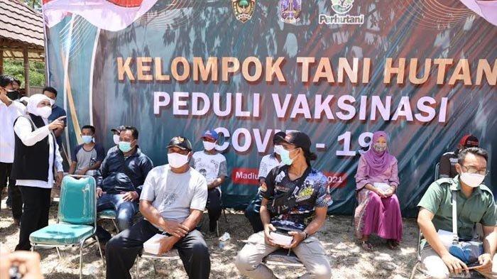 Gubernur Khofifah Tinjau Vaksinasi di Dolopo Madiun, 17.374 Orang Masyarakat Desa Hutan Tervaksin