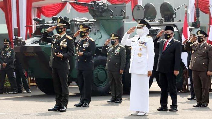 HUT TNI ke-76, Gubernur Khofifah Apresiasi Kontribusi TNI Tangani Pandemi Covid-19