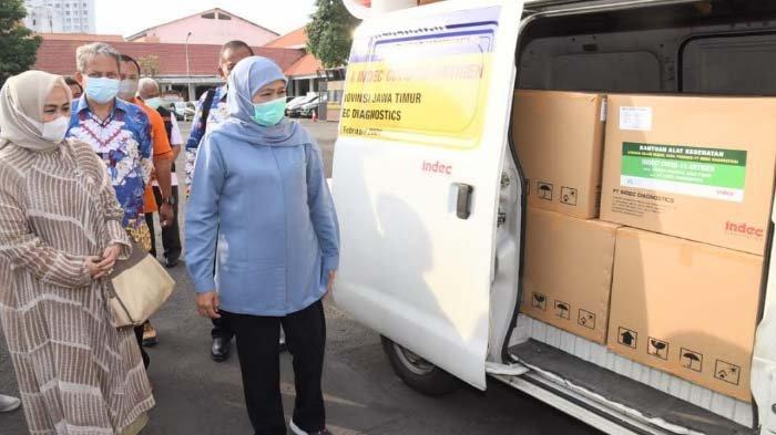 Alumni ITB Angkatan 80 SalurkanBantuan 10.000 Rapid Antigen untuk Jatim