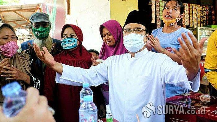 Gus Ipul-Mas Adi Blusukan dan Berdialog Bersama Pedagang Korban Kebakaran Pasar Karangketug