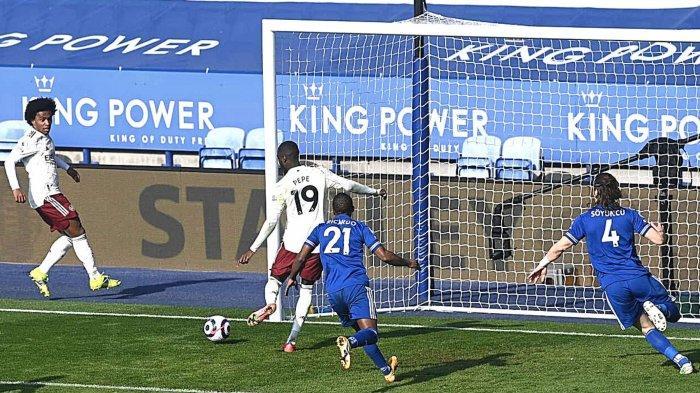 Hasil Leicester vs Arsenal Willian jadi pemain kunci