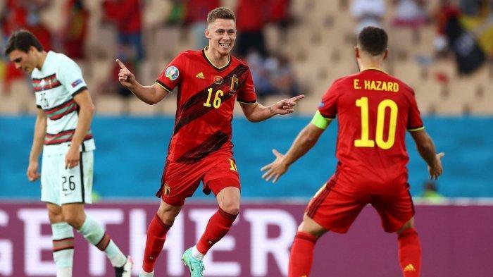 Eden Hazard saat merayakan gol bersama adiknya, Thorgan Hazard pada laga melawan Portugal di 16 besar.
