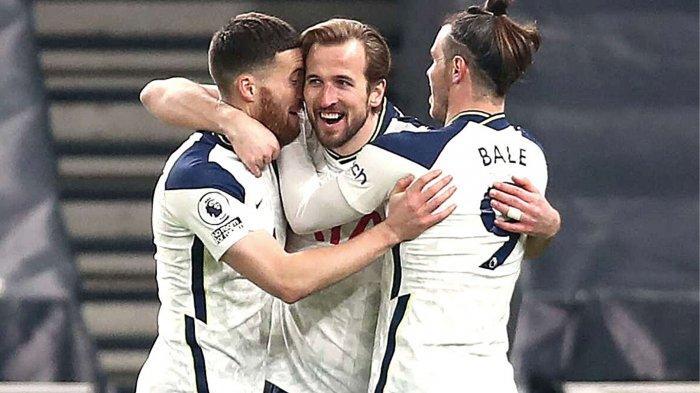 Harry Kane saat merayakan gol bersama rekannya musim lalu