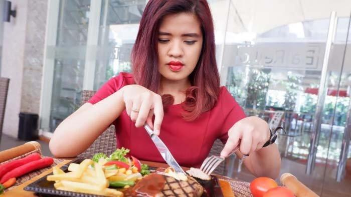 Meatloaf Steak Empuk ala Swiss-Belinn Manyar Surabaya, semakin Nikmat dengan Spicy Sauce