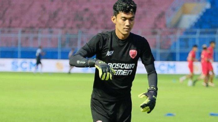 Arema FC Bandingkan Kemampuan Hilman Syah dengan Kurnia Meiga