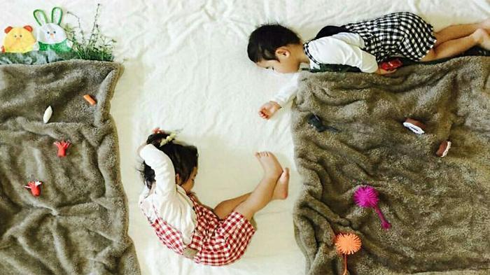 Lihat, Yang Dilakukan Ibu Ini Saat Dua Anaknya Tidur Pulas Pasti Bikin Geleng-Geleng Kepala