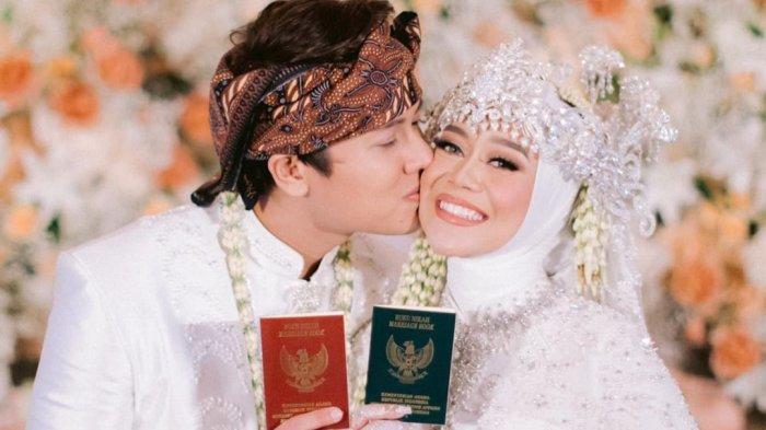 Reaksi Rizky Billar Perdana Lihat Lesti Kejora Tanpa Hijab Setelah Menikah, Sempat Salah Duga