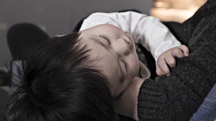 Anak Anda Batuk Terus, Ini Tips Mengatasinya, Jangan Panik Berlebihan