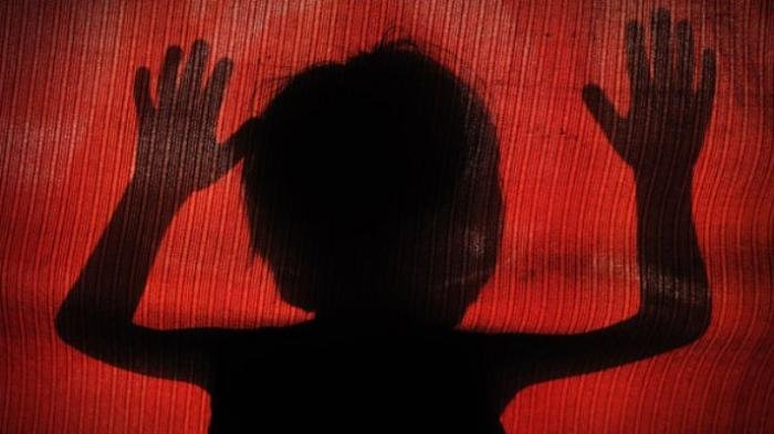 Pengakuan Anak yang Dijual Ibu Kandungnya untuk Menemani Pria Hidung Belang