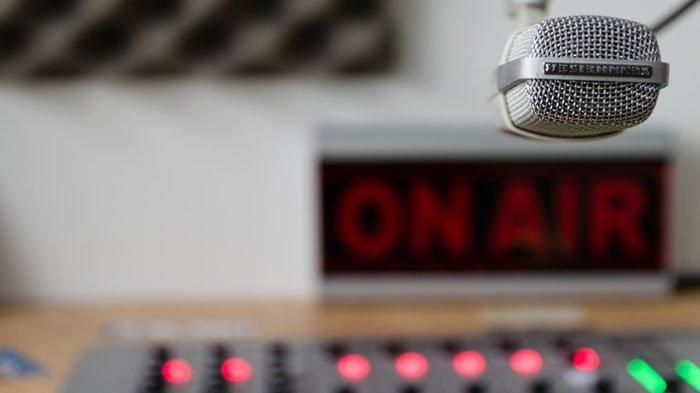 News Analysis : Pengelola Radio Perlu Atur Strategi Agar Pendengar Tak Berpaling