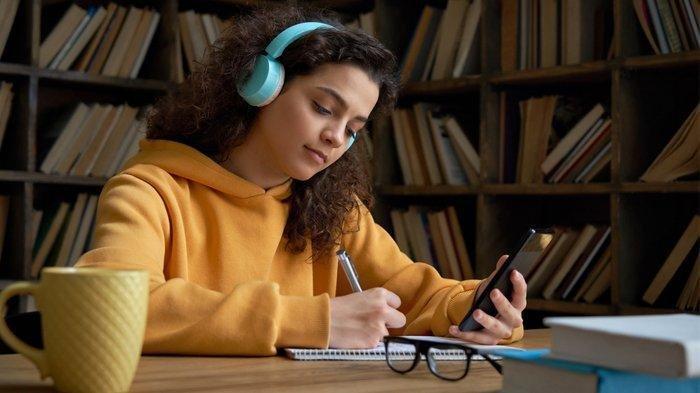 Mengeksplorasi Kegiatan Belajar Mengajar di Platform Digital