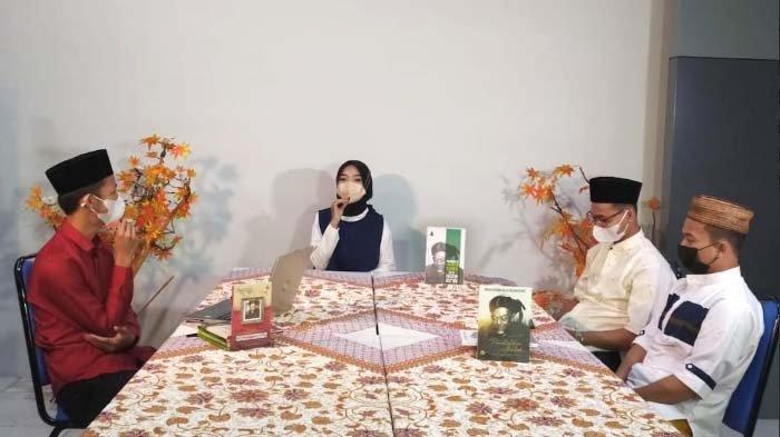 Cegah Covid di Kalangan Santri, Influencer Muda Sharla Martiza Kampanye 3 + 1 M di Ponpes Tebuireng