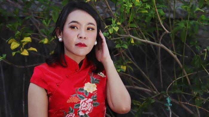 Chinese Lunar Makeup ala MUA Marisa, Tonjolkan Mata dengan Warna Merah dan Gold