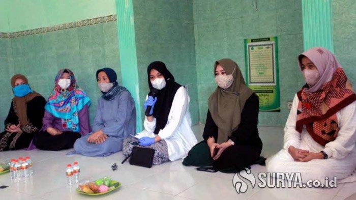 Didampingi Keluarga Samsul Hadi, Ipuk Kunjungi Situs Selawat Badar di Karangrejo Banyuwangi