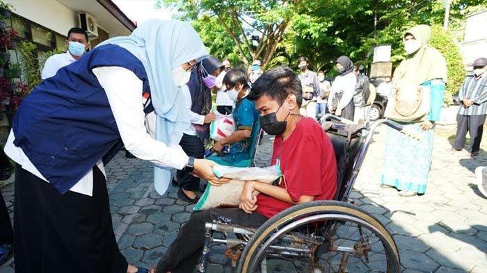 Pemkab Banyuwangi Salurkan 3.000 Bansos Sembako ke Warga yang Tak Terdaftar DTKS