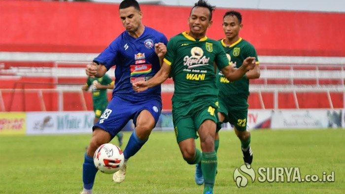 Hadapi Persija, Aji Santoso Berharap Pemain Persebaya Surabaya Tak Meremehkan Lawan