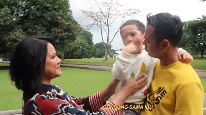Iriana Jokowi Mau Gendong Rafathar, Raffi Ahmad Gak Nyangka Diperlakukan Istimewa: Mimpi Apa Coba!