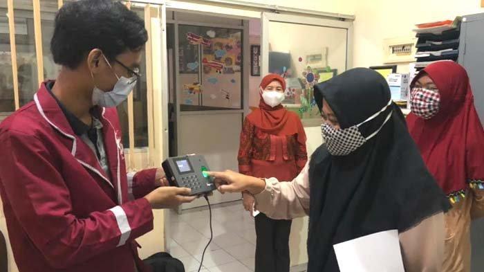 IT Telkom Surabaya Ciptakan Inovasi Absensi Digital untuk Yayasan Autis AGCA Center Surabaya