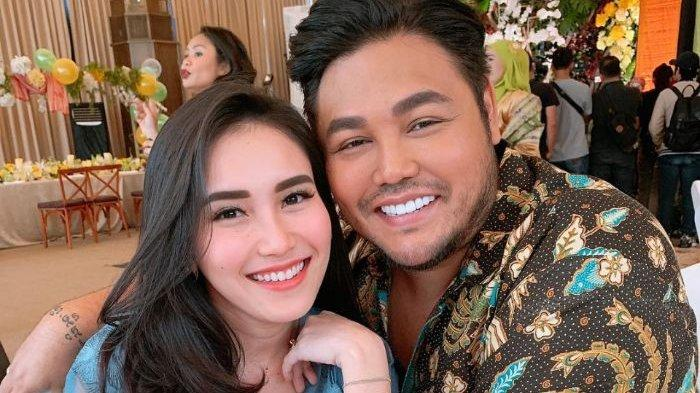 Ayu Ting Ting Klarifikasi soal Ciuman Bibir dengan Ivan Gunawan, Beri Balasan Menohok: Ngaco Lo!