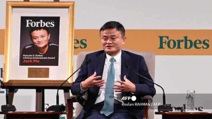 Jack Ma, salah satu pendiri dan mantan ketua eksekutif Alibaba Group, berbicara dalam Forbes Global CEO Conference di Singapura pada 15 Oktober 2019.