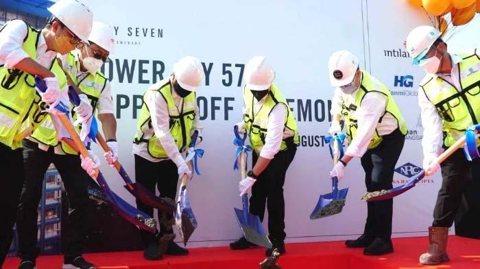 Intiland Lakukan Topping Off Tower Kedua Apartemen Fifty Seven Promenade
